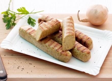 Tipp: Tofuwürstchen in Öl und mit Kräutern marinieren.