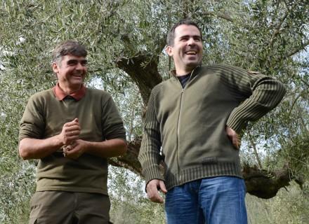 Epikouros-Produktionsleiter Michalis (rechts) mit Kollege Efthimios